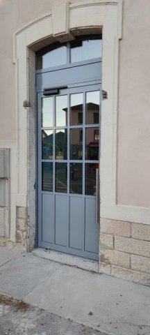 Fabrication et pose d'une porte d'accès en acier à Bagnols-Sur-Cèze