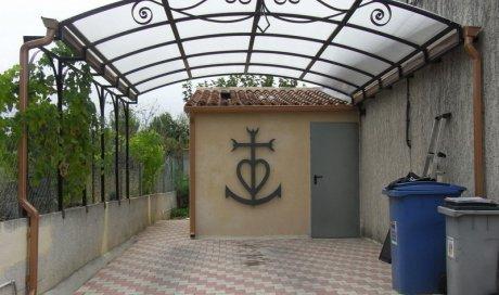 Embellissez vos jardins et terrasses grâce à nos pergolas designs et résistants Nîmes