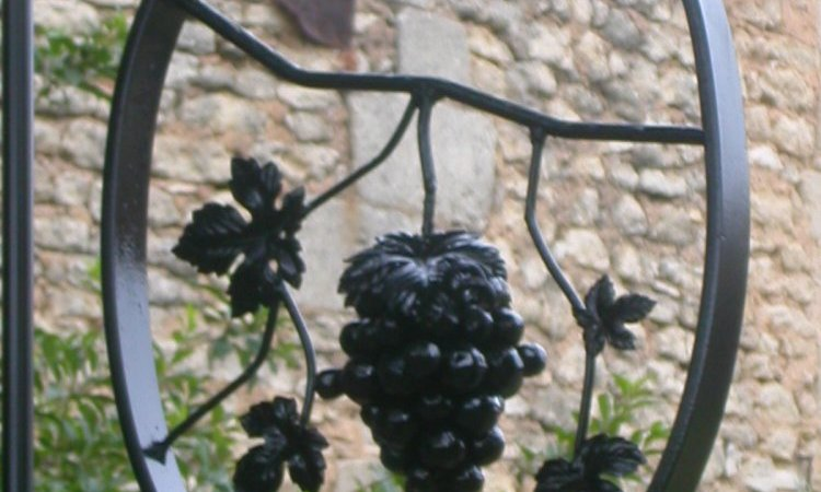 SE FER D'ART Détail grappe de raisin
